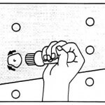 Moldee la película alrededor de la cabeza del remache describiendo movimientos circulares.